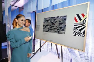 Samsung 4K lifestyle TV